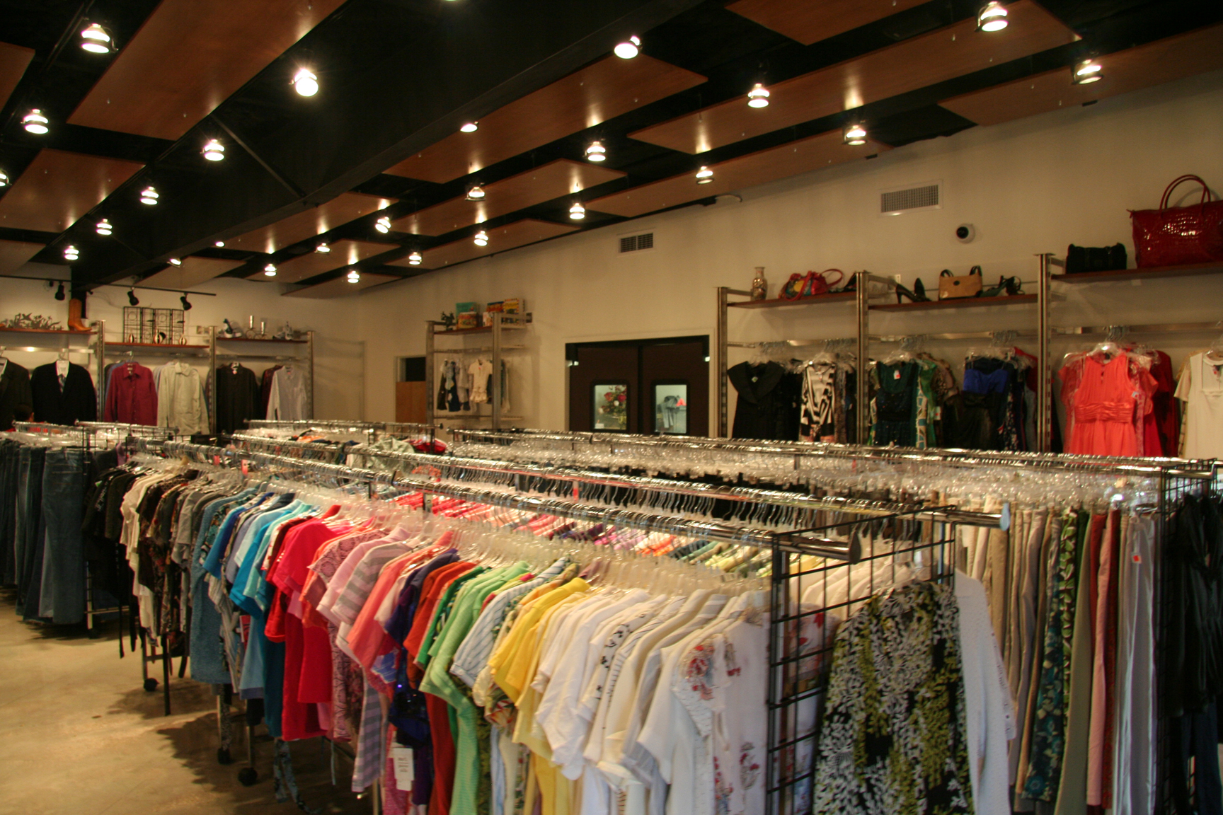 Cute Clothing Stores Goodwill clothing boutique